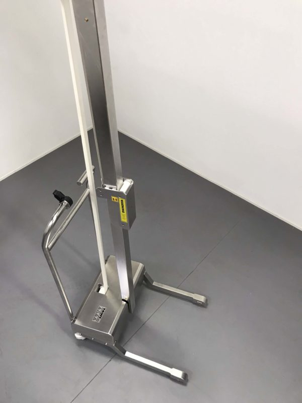 stainless steel cleanroom lifting trolley seen from above