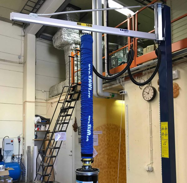Jib crane with vacuum lifter