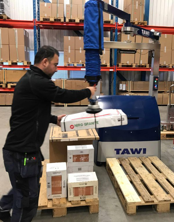 TAWI mobile order picker vacuum lift