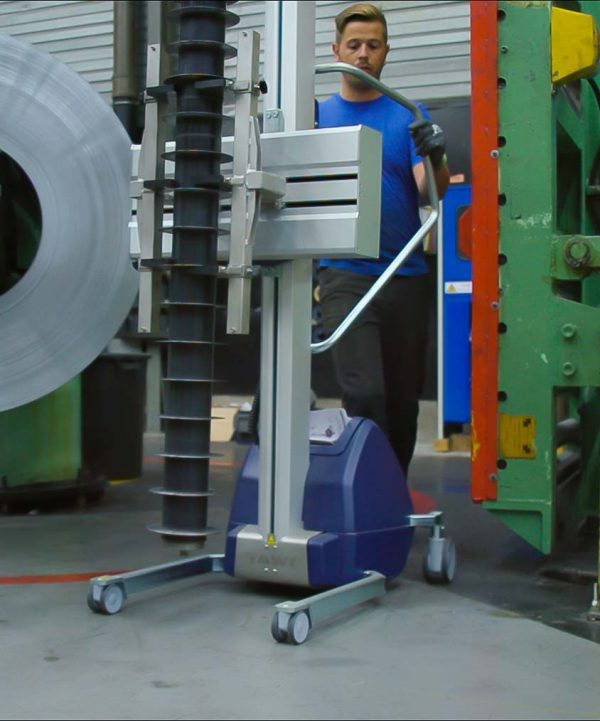 TAWI lifting trolleys lifting metal components