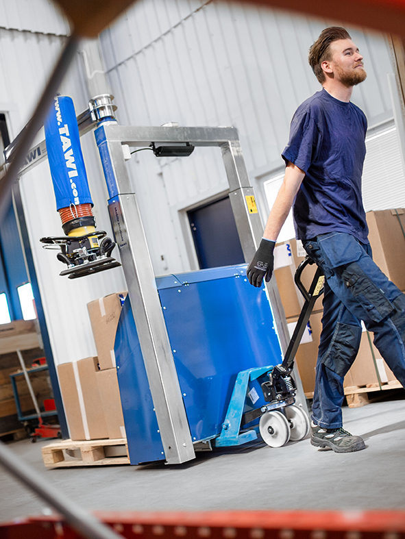picking order with forklift attached vacuum lifter