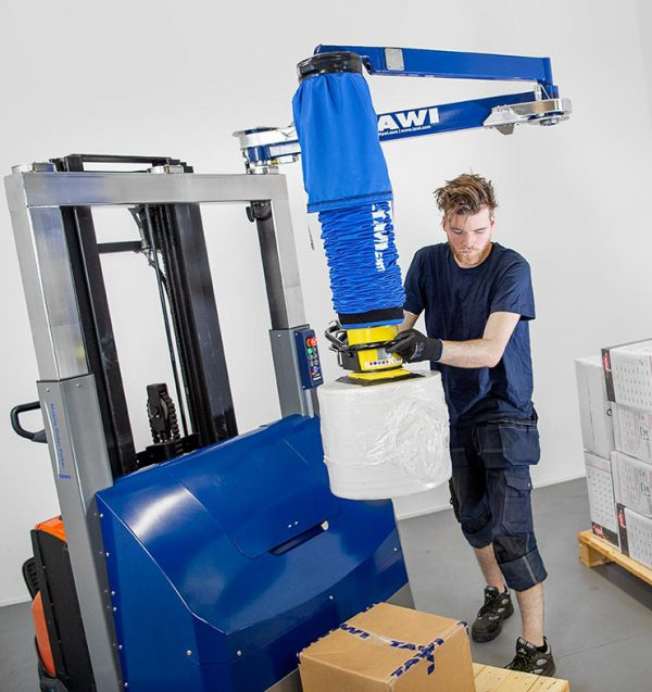 order picking with vacuum lifter on forklift