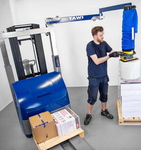 lifting goods onto pallet with vacuum lifter forklift attachment