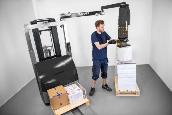 lifting reel with mobile vacuum lifter