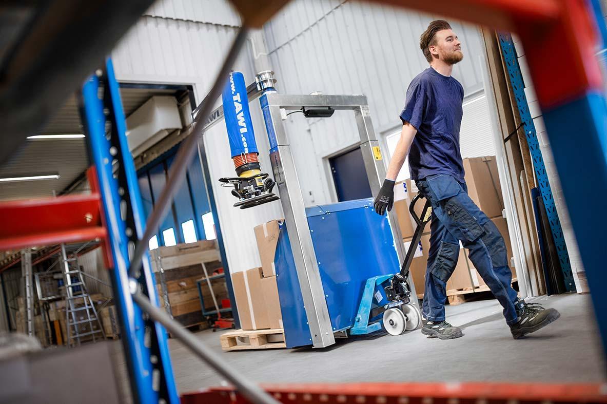 portable vacuum lifter with jib crane