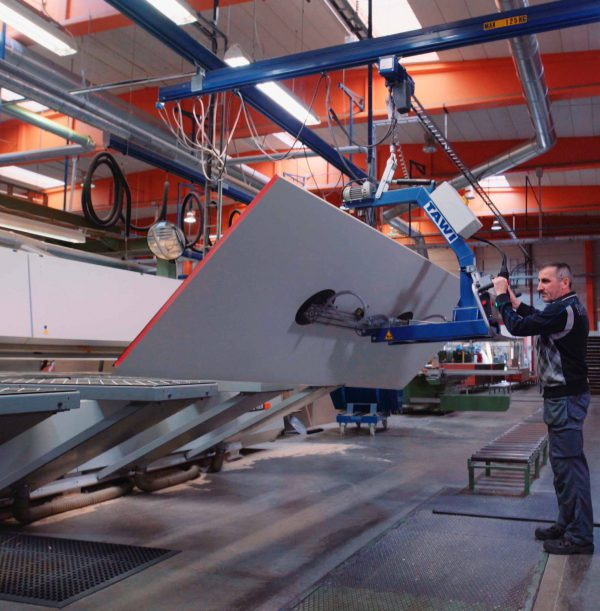 lifting and tilting large boards with vacuum sheet gripper