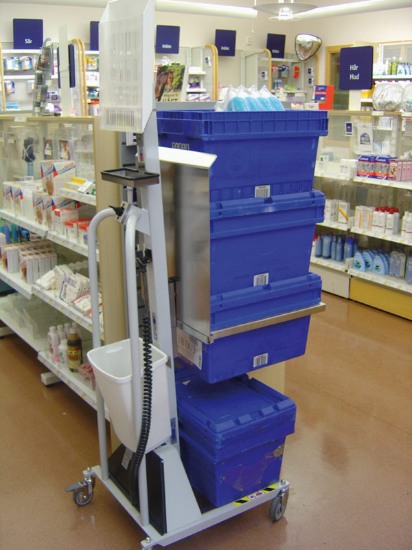 Lifting multiple crates in retail