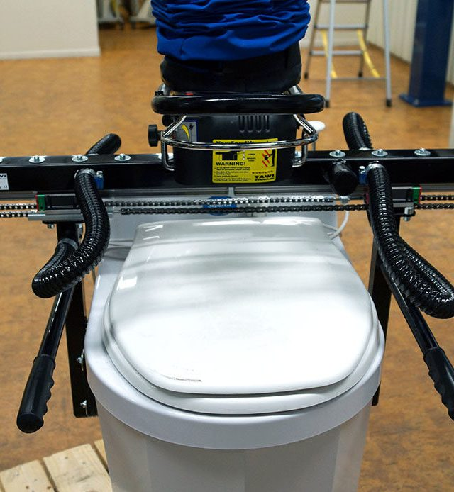 lifting toilet with vacuum lifter