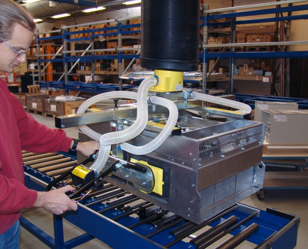 lifting metal parts with vacuum lifter