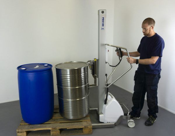 lifting barrels with electric lifter