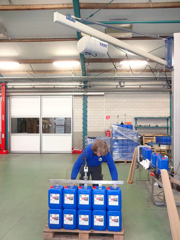 lifting multiple containers with hoist