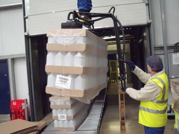 lifting plastic wrapped cannisters with vacuum lifter