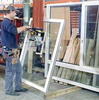 lifting windows with vacuum lifter