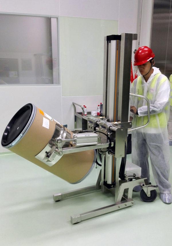 Tilting drums pharma industry
