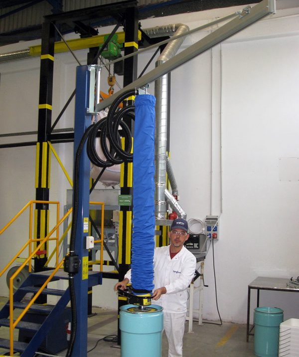 lifting pail with vacuum lifter