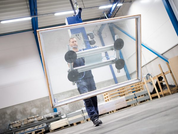 vacuum gripper lifting window