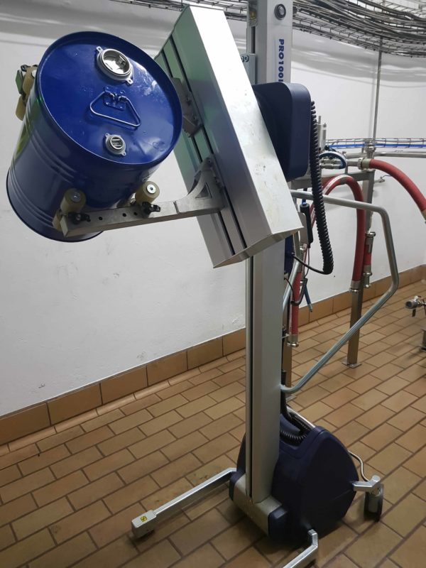 Drum liting with lifting trolleys