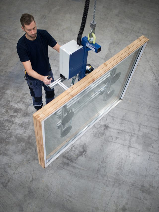 lifting window with vacuum gripping tool