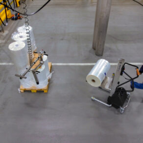 Lifting and moving reels with lifting trolley