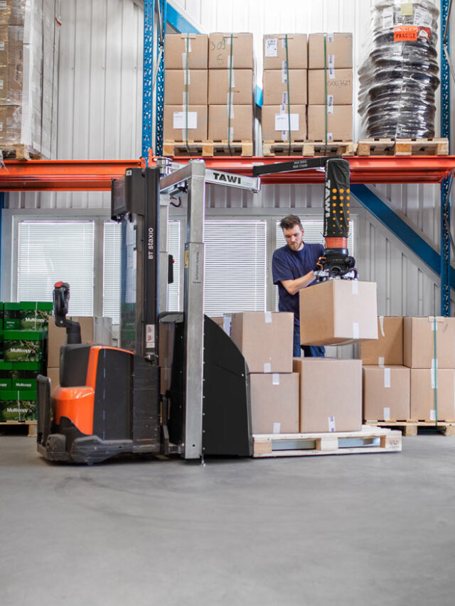 Picking oder with forklift vacuum lifter